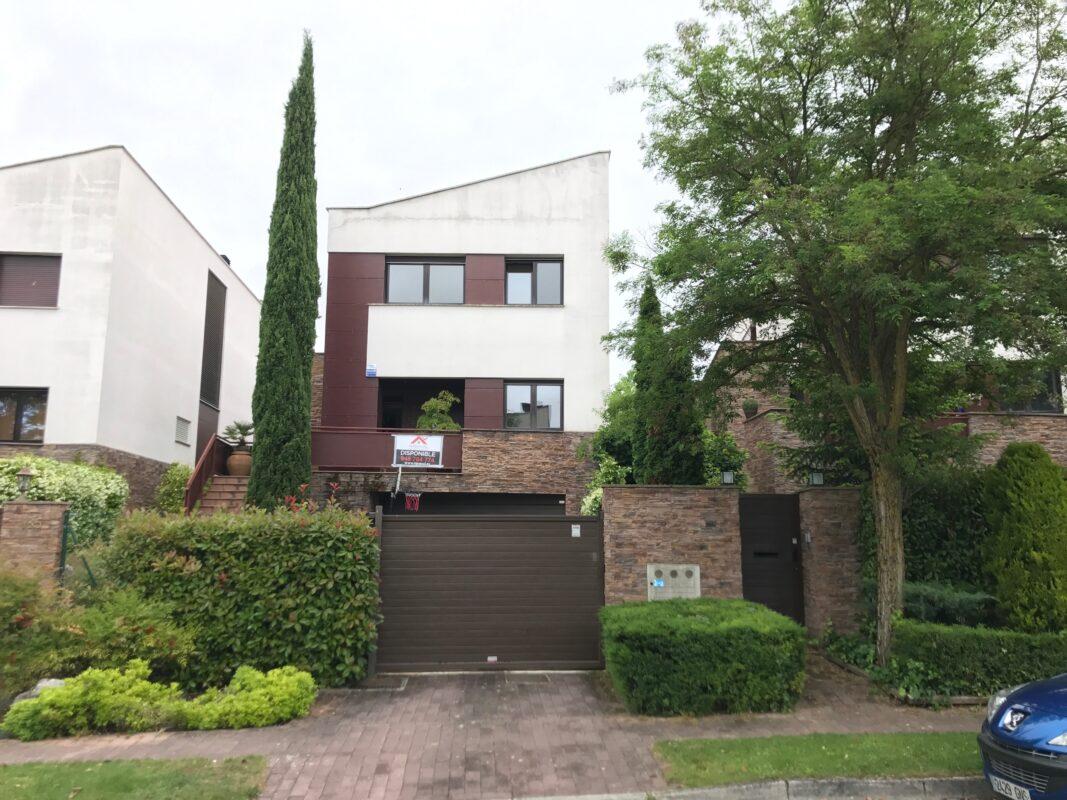 Casa en Gorraiz - (Navarra)